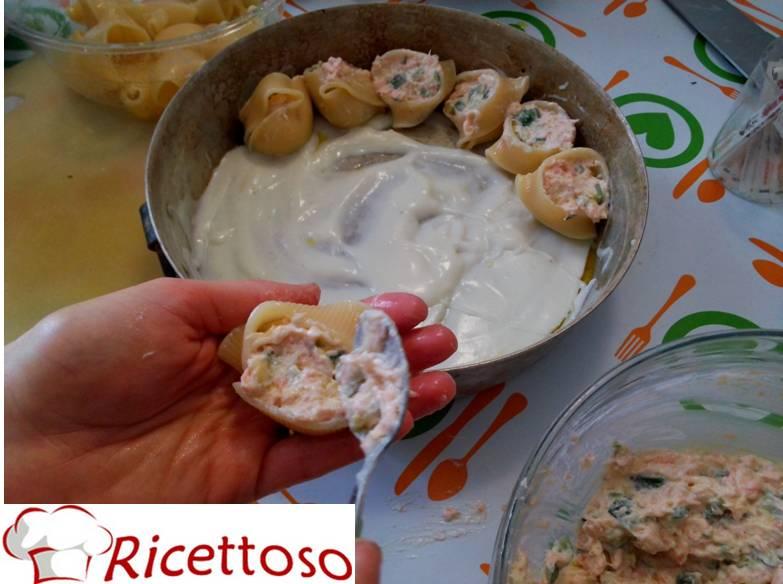 Conchiglioni_pasta_salmone_zucchine_robiola3